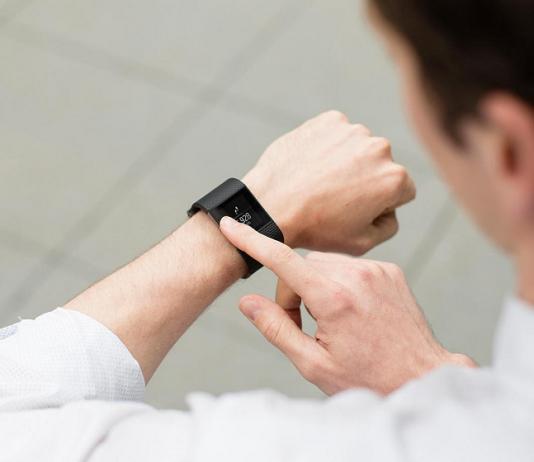 How to Restart Fitbit Tracker